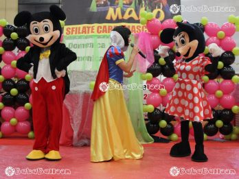 Animazione per feste in piazza con Bababalloon alla Festa di Carnevale di Malo Vicenza, allestimenti e sculture di palloncini con la partecipazione di Topolina e Topolino insieme a BiancaNeve